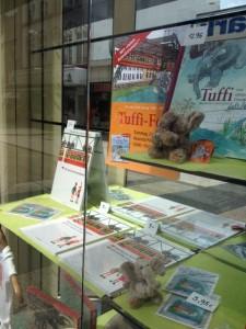 Tuffi-Schaufenster Buchhandlung Köndgen